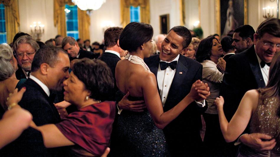 201711-omag-lybl-president-pictures-obama-dancing1-949×534
